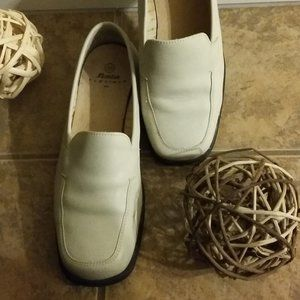 BATA WOMEN's Loafers (Flexible)